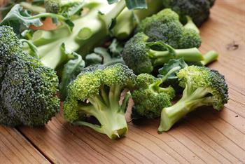 Brokoli, H. pylori Enfeksiyonuna ve Mide Kanserine Karşı Koruyor