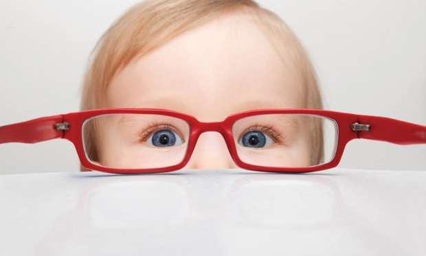 Çocuklarda göz tembelliği neden olur?